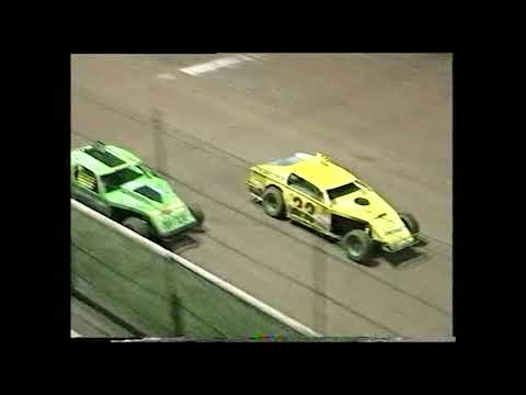 AMCA Nationals: A-Main - Archerfield Speedway - 10.02.2001 - dirt track racing video image