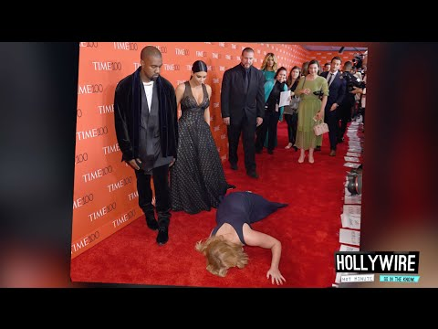 Top 6 MOST AWKWARD Red Carpet Moments!! | Hollywire - UCvVq8bEmY431dorJsjQn7Rw