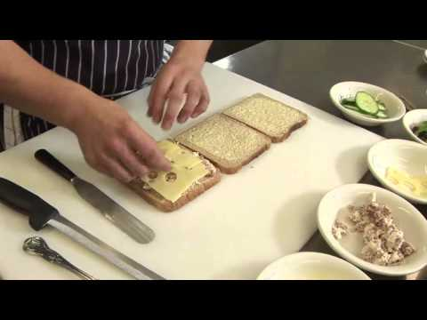 How To Make A Club Sandwich 02 32