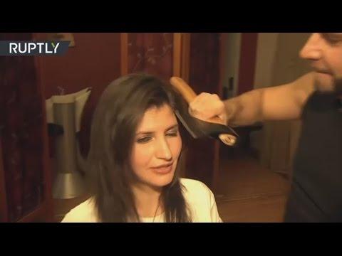 Müşterilerinin Saçlarını Makas Yerine Balta İle Kesen Kuaför