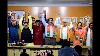 Army Families Joins BJP  Manoj Tiwari, Shyam Jhaju, Hans Raj Hans Welcomes Army Families