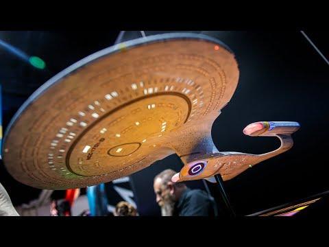 Awesome Star Trek USS Enterprise 1701-D Replica! - UCiDJtJKMICpb9B1qf7qjEOA