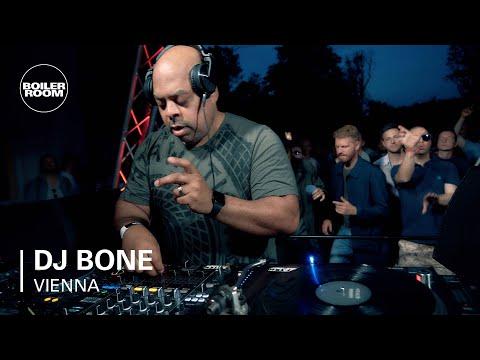 DJ Bone | Boiler Room x Eristoff Day & Night | Vienna - UCGBpxWJr9FNOcFYA5GkKrMg