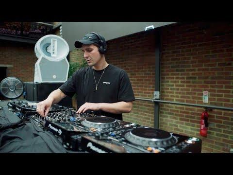 Grafix - Hospitality Park Warm Up - Mix Sessions 002 - UCw49uOTAJjGUdoAeUcp7tOg