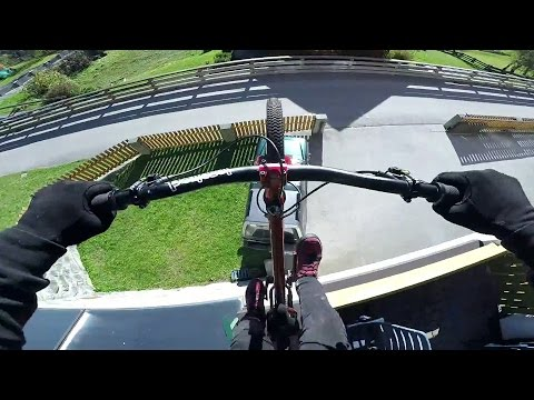 GoPro: Fabio Wibmer's Downhill Chase - GoPro of the World November Winner - UCqhnX4jA0A5paNd1v-zEysw