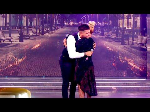 Gladys La Bomba y Tyago Griffo rompieron en llanto en un fuerte abrazo al volver a cantar juntos