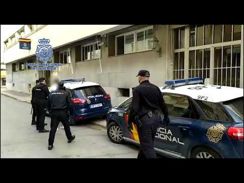 Capturan en Benidorm a una banda de Zaragoza que robaba en tiendas lanzando alcantarillas