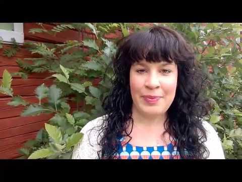 Umeå Energis projektingenjör Martina Björken hälsar glad sommar!