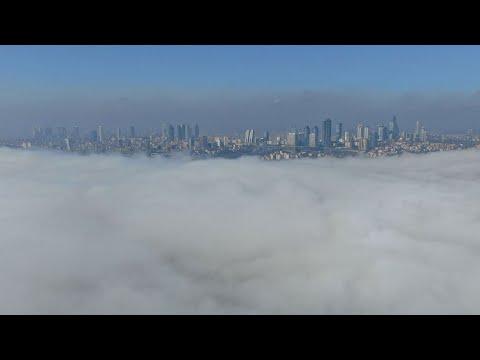 İstanbul Boğazı'nı sis böyle örttü