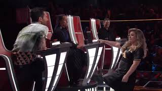 Kelly Clarkson Funniest Moments on The Voice