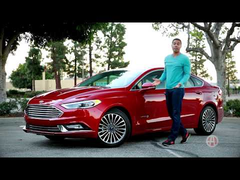 2017 Ford Fusion Hybrid | 5 Reasons to Buy | Autotrader