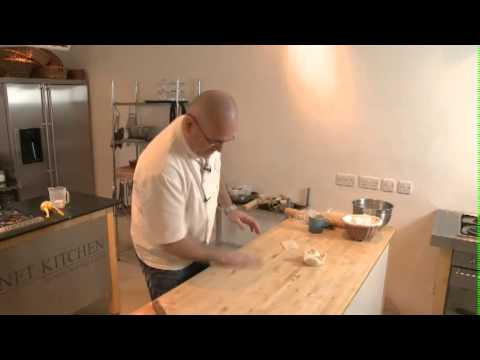 How To Make Puff Pastry with Richard Bertinet, author of Pastry - UCGccfx-NcaYhFNTNk8qX69A