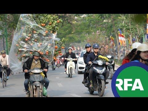 Biến tướng quà biếu lãnh đạo tại Việt Nam