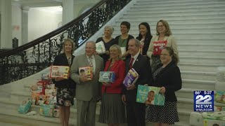 State lawmakers hold diaper drive to give back to low-income families