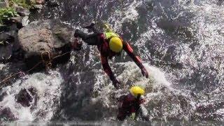 NRWspot.de | Strömungsretter der Feuerwehr Hagen trainieren in der Lenne
