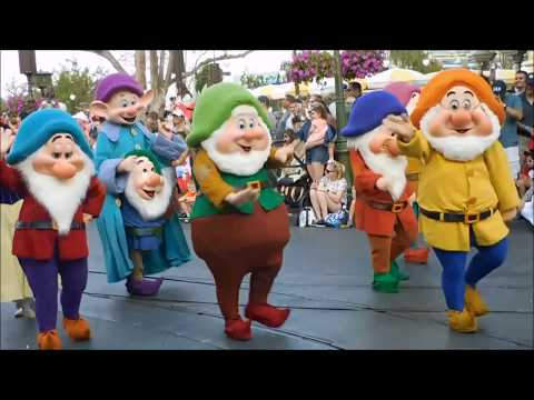 Disney Festival Of Fantasy Parade 2018 - UCc9qfupIIS7AZ2DjZIr6Q2w