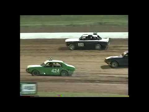 Street Sedans: A-Main - Archerfield Speedway - 09.02.2001 - dirt track racing video image