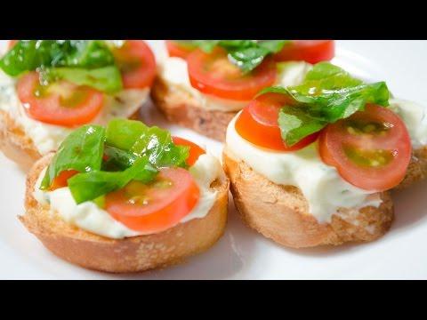 Brusqueta con Queso Crema y Tomates Cherry - Como Hacer Receta de Bruschetta Vegetariana
