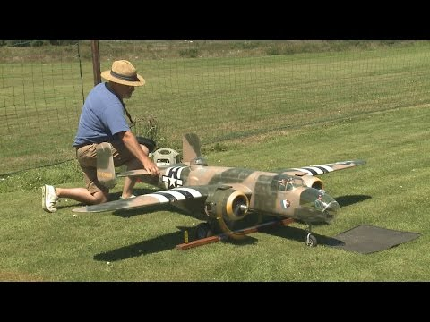 Crash of Giant RC B 25 model from Ziroli plan - Maiden Flight disaster - UCLLKGiw9zclsM7QMg6F_00g