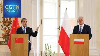 Wang Yi pide profundizar la asociación estratégica integral con Polonia