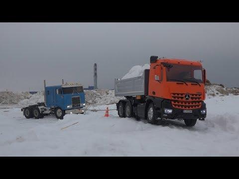 ГРУЗОВИК ЗАСТРЯЛ В СНЕГУ ... Вытаскиваем экскаватором ... RC Tamiya trucks and excavator - UCX2-frpuBe3e99K7lDQxT7Q
