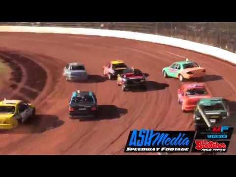 Street Stocks: Race Highlights - Kingaroy - Nov 2017 - dirt track racing video image