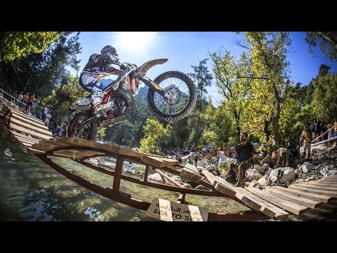 Enduro Racing in the Forest - Day 2 Recap - Red Bull Sea to Sky - UC0mJA1lqKjB4Qaaa2PNf0zg