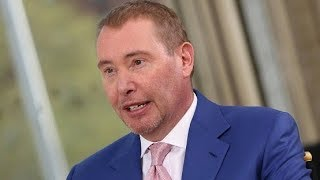 Jeffrey Gundlach says '65% chance' of recession in the next 12 months