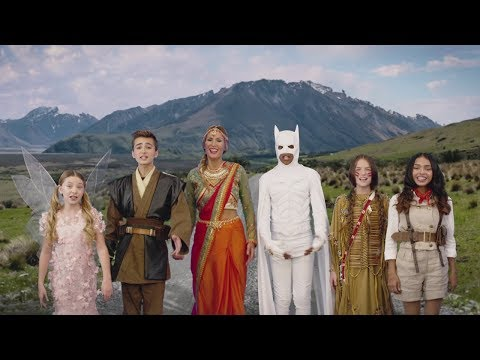 KIDS UNITED - Chacun sa route feat. Vitaa (Clip Officiel) - UCrUlt5TwS6OUD8xpC36EBvw