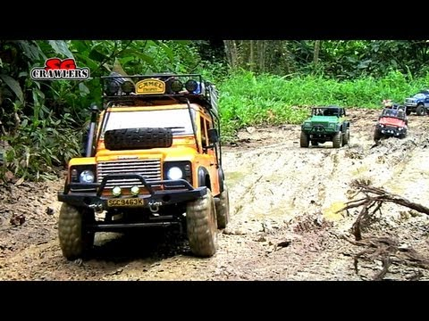Mudding! 15 Scale trucks RC offroad adventures at Bangkit Road Trail - SCX10 Land Rover Defender - UCfrs2WW2Qb0bvlD2RmKKsyw