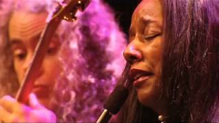 Tuck & Patti - Love Flows Like A River (Live in Holland DVD)