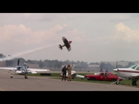 Incredible Horsepower! Plane Hangs by its Prop Literally Hovering HD - UCm-jMCzOcbHZsO4yVgt4HxA