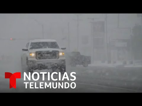 Una tormenta invernal provoca serios daños en Texas | Noticias Telemundo