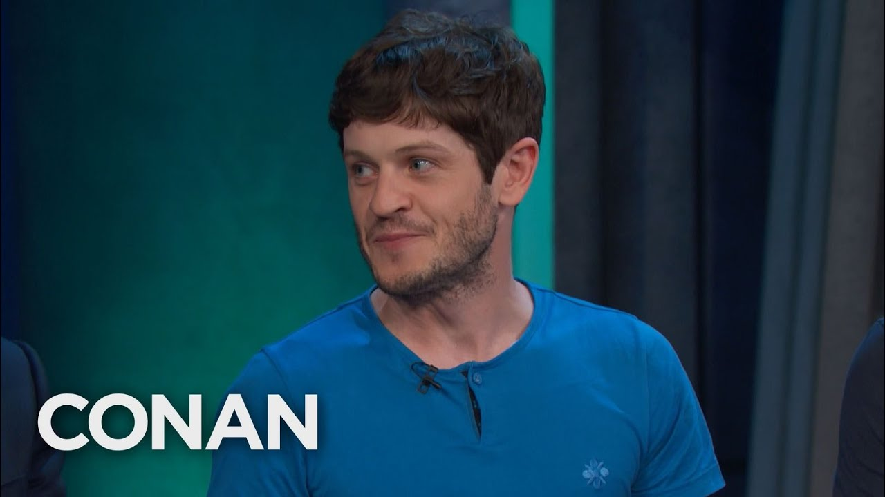 Kit Harington Really Punched Iwan Rheon In The Battle Of The Bastards – CONAN on TBS