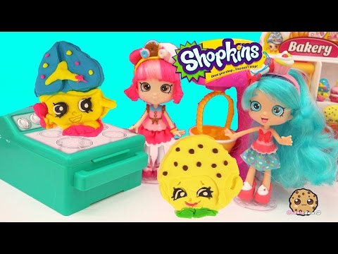 Jessicake & Donatina Shoppies Make Playdoh Shopkins Cookies with Cookie Cutters - Play Video - UCelMeixAOTs2OQAAi9wU8-g
