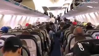 Canadian passengers filmed VERY orderly leaving a plane