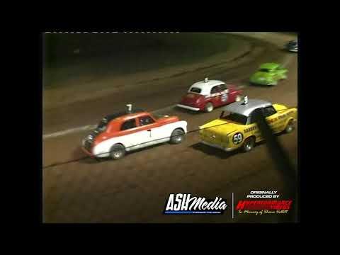 Nostalgia Sedans: A-Main - Maryborough Speedway - 29.12.2006 - dirt track racing video image