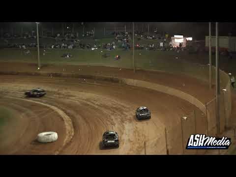 RSA Junior Sedans: A-Main - Archerfield Speedway - 05.06.2021 - dirt track racing video image