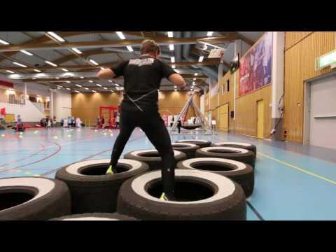 Lek i overdimensjonert skolegård - Se film fra eventet på Domus Athletica - SiO