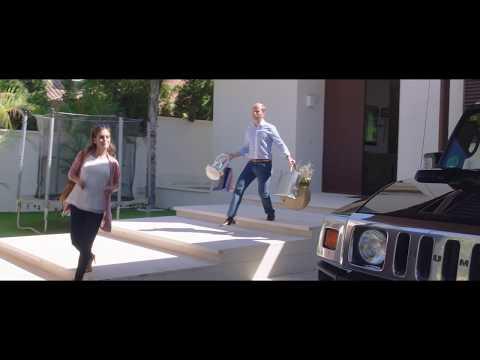 El Mundo Es Suyo -  Clip 'Conversación Cayetana y Fali' - Castellano HD