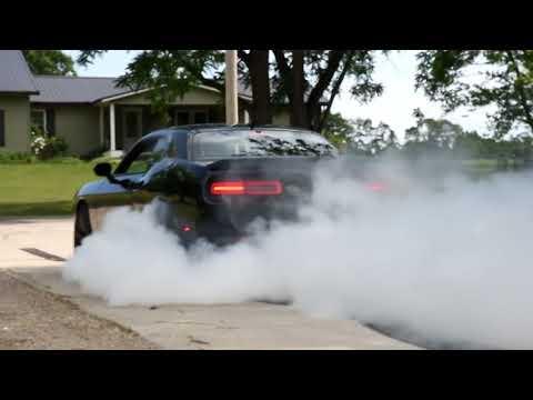 Challenger Hellcat Burnout
