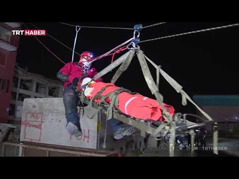 Gerçeği aratmayan deprem tatbikatına TRT Haber tanıklık etti
