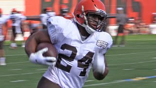 Browns running backs workout during Day 17 of training camp