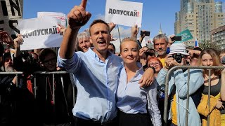 Tens of thousands of Russians demand free local elections