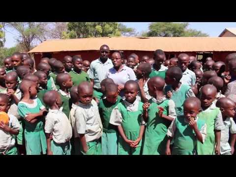 Skolbarnen ser fram emot att få träffa familjen Hanny