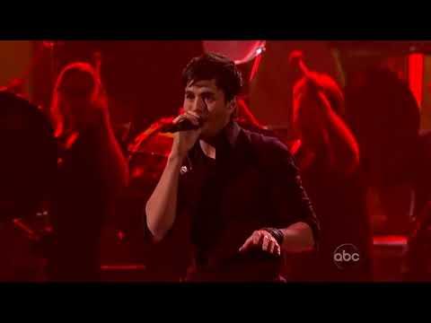 Enrique Iglesias feat Pitbull Medley @ AMAs 2010