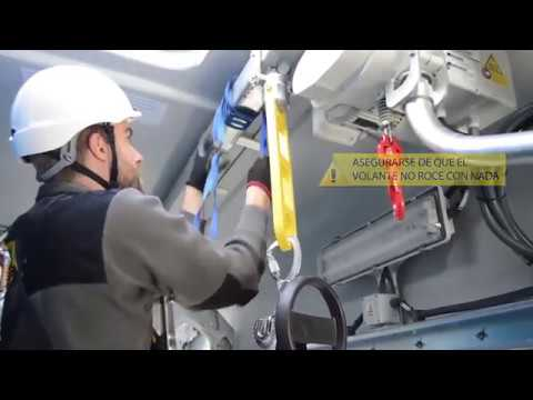 Descenso de emergencia por la trampilla de un aerogenerador