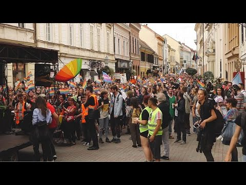 Több mint háromezren voltak a pécsi Pride felvonuláson