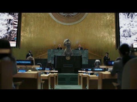 Frankie, a dínó kineveti az embereket az ENSZ-közgyűlésén