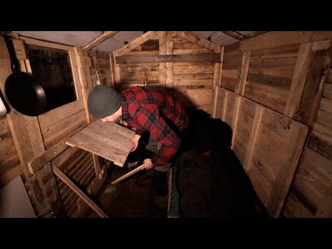 Cheap Off Grid Cabin: Alone with my Dog in the Pallet Wood Cabin